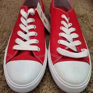 Red deck tennis shoes